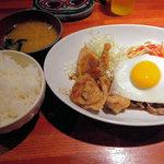 武蔵家別館 - から揚げと生姜焼き定食(値段忘れました650円くらい)