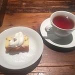 LA COCORICO - デザートとドリンクのホットティ