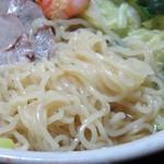 東海一品香 - 麺