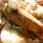 天ぷら海鮮友福 - ド迫力の頭部でしたw