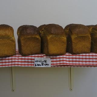 トミーのパン - 料理写真: