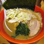圭一屋 - ヤバいラーメン 750円
