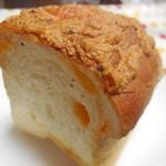 47866417 - 3種のチーズのワンローフ ¥210-