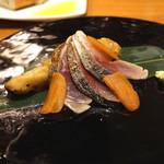 AU GAMIN DE TOKIO - 炙り清水サバと焼き茄子のマリネ、カラスミ添え