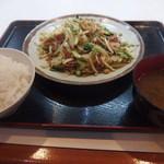 47879083 - コンビーフと野菜炒め600円