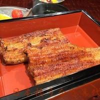 喜代川 - 蒲焼き(お座敷)。銅壺という下にお湯が入った器でお出しします