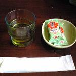 あさひ亭 - 麦茶 & 粟おこし?