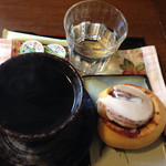 まったり家 - シナモンロールとホットコーヒーで500円