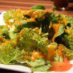 WINE×鉄板料理 ば~る - エアーズロックコースAのサラダ野菜も厳選されています!!