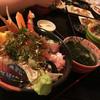 一歩 - 料理写真:特盛海鮮丼(1800円)小鉢、茶碗蒸、かに汁、漬物付き