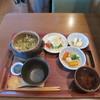 カエデナ - 料理写真:浅利の酒炒りバターと新玉ねぎの土鍋ごはん