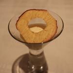 ポンテ デル ピアット - リンゴのスープとシナモン風味のゼリー