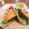 ブルーベージュカフェ - 料理写真:ペッパーチキンと水菜のフォカッチャプレート✩︎⡱