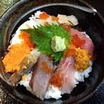 おけしょう鮮魚の海中苑 - 料理写真:海鮮丼(舟)