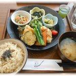 48021877 - 39品目の健康定食 2015.10