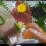沖ちゃん - 本日の鮮魚5点盛り(1280円)