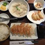浜太郎 - 焼き、水、揚げ餃子定食