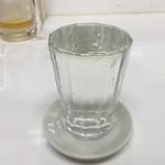 もつ焼き丸昌 - ドリンク写真:コップ酒