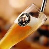 本場ドイツから直輸入のビール20種以上やワイン30種以上
