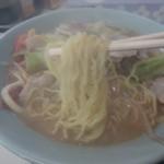 中園食堂 - 細麺。湯気が~