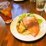 大衆イタリア食堂 アレグロ - ナポリピッツァランチ(前菜&ドリンク)