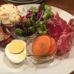 トラットリア・バール・ジョルノ - 前菜盛り合わせ。どれもはっきりとした味わいで迷いなし!