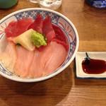 磯丸水産 - まぐろ2色丼630円