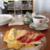 キッチン&コーヒーCACTUS - 料理写真:この季節はイチゴがたくさんのフルーツタルト