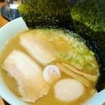 麺屋 騎士 - 料理写真:塩ラーメン  ¥700  半熟味玉  ¥100   のり増し クーポン