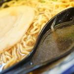 旭川らぅめん青葉 - スープ