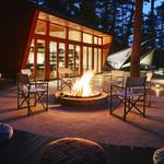 星のや富士 - ドリンク写真:炎を眺めながら、食後のひとときを