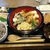 とうふや豆蔵 - 料理写真:旬とうふ定食 1,080円 たらの芽と鶏ささみの天ぷらに寄せ豆腐に小鉢2皿、ごはん、みそ汁、香の物、デザート