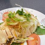 聚鳳 - 蒸し鶏。しっとり柔らかでやさしい味です。