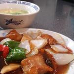 聚鳳 - 酢豚定食。お肉たっぷりでボリューム満点です。