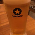 炭焼 きむら - 生ビール(550円)。量多いです。