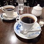 カフェ・パティオ - ロイヤルブレンド(奥)/オールドブレンド(手前)