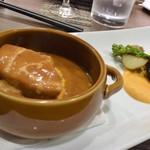 Dining TABI - ポークシチュー、菜の花と人参のソース。