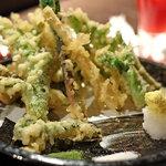 和食処 まる - 春の山菜の天ぷら