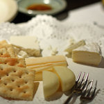 和食処 まる - チーズ盛り合わせ