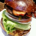 ハングリーヘブン - 料理写真:ベーコンチーズバーガー