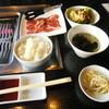 HACHI - 料理写真:サービスランチ・カルビ