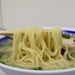 くろいわラーメン - 麺リフト