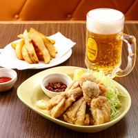 昼は「札幌ラーメン」、夜は「北海道のご当地料理居酒屋」