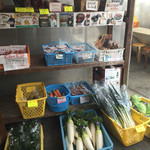 梅本とうふ店 - 採れたて野菜も売っています