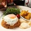 JATI Seijo - 料理写真:ランチでも人気のナシゴレン