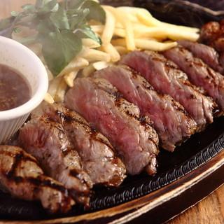 USプレミアムを使用した牛サガリのステーキ