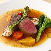 東京カレンダー掲載のお料理、稀少なお肉料理が魅力