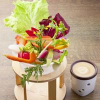 採れたて新鮮、旬のお野菜を楽しめる「農園バーニャカウダ」