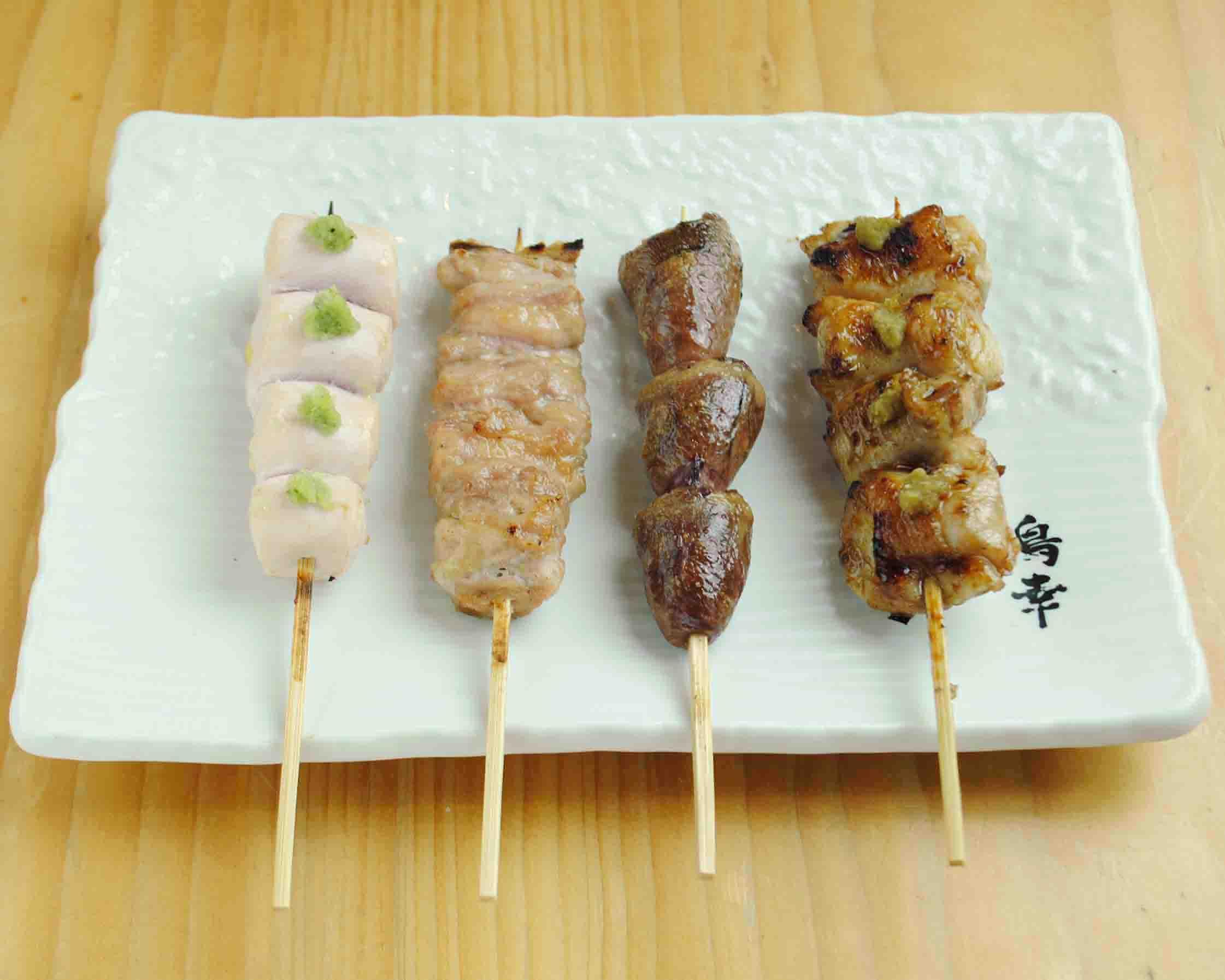 定食1100円(税抜)【特上親子丼以外の定食すべて】