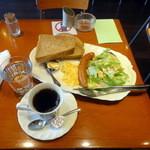 カフェラウンジ ハイマート - 料理写真:モーニングセット680円